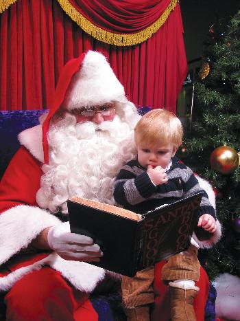 Santa at Oakland Mall