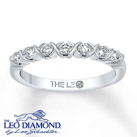Ladies Dont Let Engagement Rings Have All The Fun Wedding Bands Can Be Just As Unique And