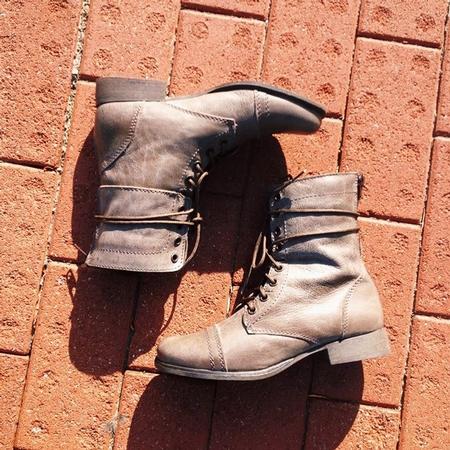 Be Stylish With the Steve Madden Kombat at DSW Shoe Warehouse